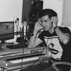 downmusic 57 300x300 - دانلود مداحی محسن لرستانی به نام قصه بابا (هفتاد دو پروانه)